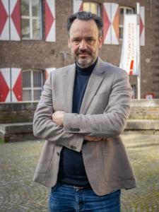 Lorenz vor Stadtmuseum